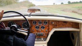 Restaurateur de tableau de bord pour voiture ancienne